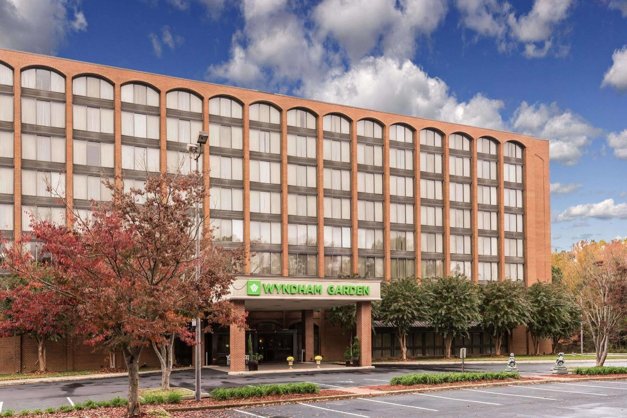 HOTEL WYNDHAM GARDEN WILLIAMSBURG BUSCH GARDENS AREA, WILLIAMSBURG ***